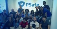 Rene Silva, editor-chefe do Voz das Comunidades, visita a PSafe
